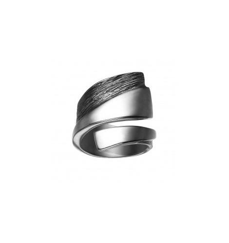 Ring fra Toftegaard Ribbon sølv og oxyderet