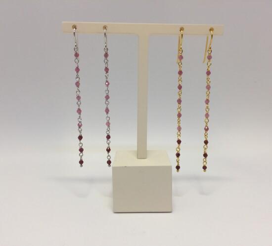 Ørehænger med lyserøde sten fra Studio Z